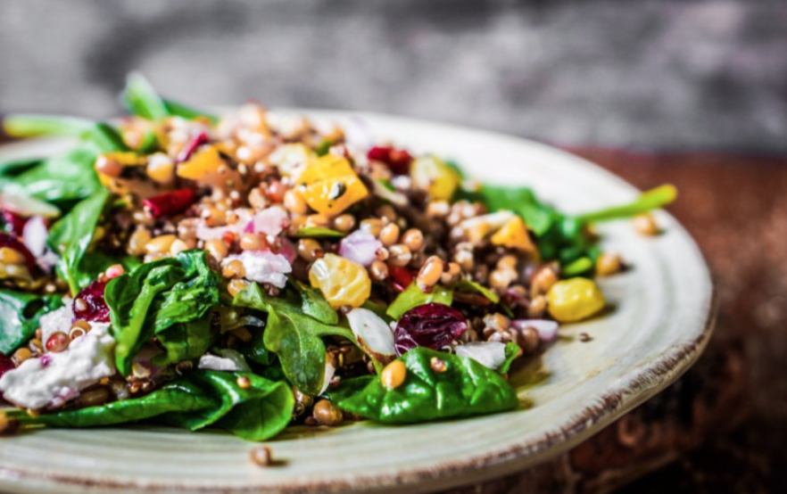 Ispanaklı Kinoa Salatası